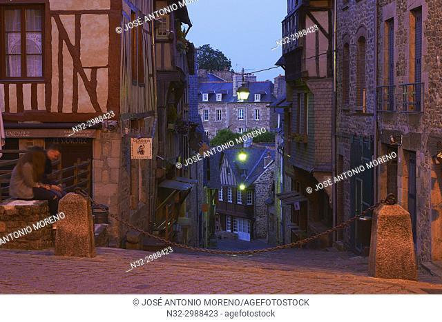 Dinan, Old Town, Dusk, Bretagne, Brittany, Côtes d'Armor Department, Chateulin distict, France