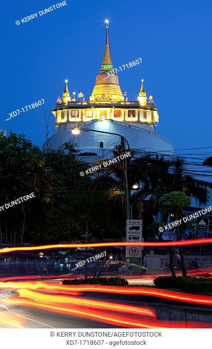 Wat Saket and the Golden Mount by night, Banglamphu, Bangkok, Thailand