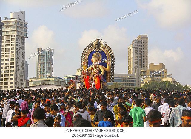 Huge Ganapti idol near Girgaon Chowpatty, Ganapati visarjan, Girgaon Chowpatty, Mumbai