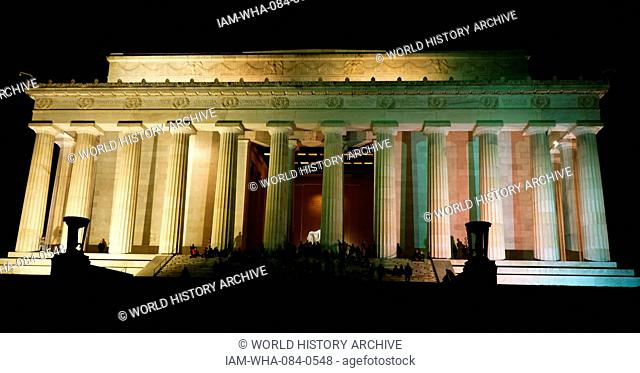 Exterior of the Lincoln Memorial, an American national monument built to honour the 16th President of the United States, Abraham Lincoln, at night
