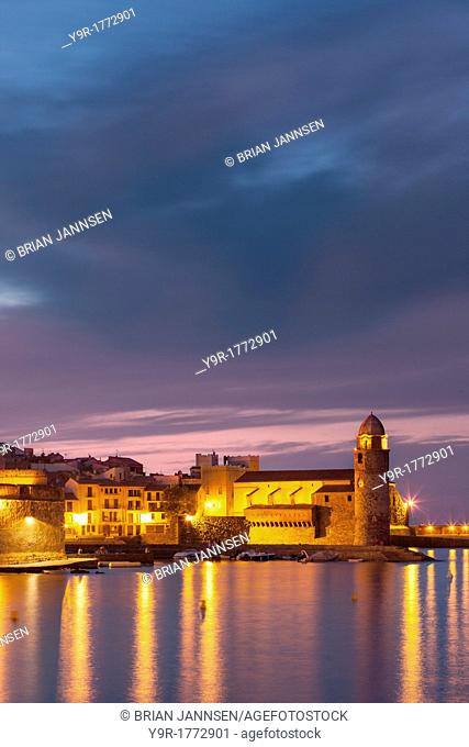 Twilght over Eglise Notre Dame des Anges, Collioure, Languedoc-Roussillon, France