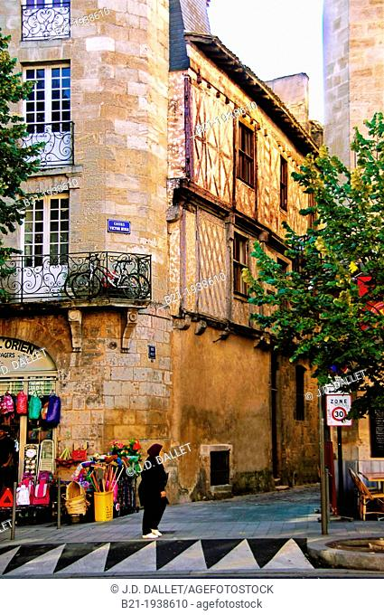 One of the oldest houses (15th century) on the corner of Cours Victor Hugo, Bordeaux, Gironde, Aquitaine, France