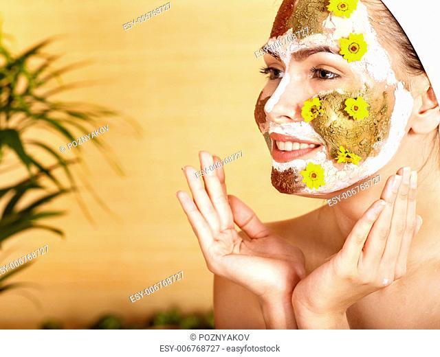Natural homemade clay facial masks at home
