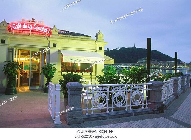 Cafe, Paseo de la Concha, San Sebastian, Province Guipuzcoa, Basque Country, Spain
