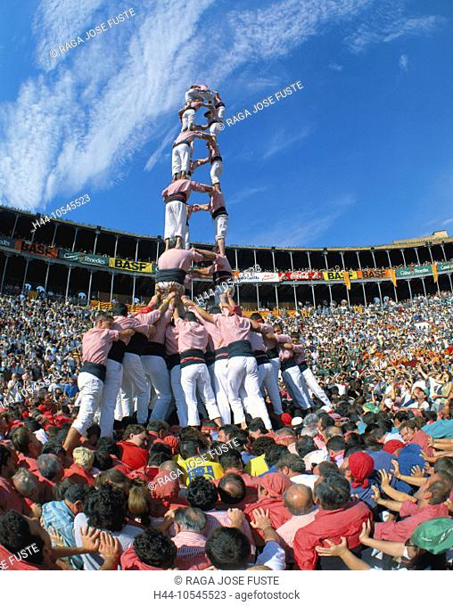 10545523, Castellers festival, party, fête, tradition, custom, life, crowd of people, human towers, Spain, Europe, Tarragona
