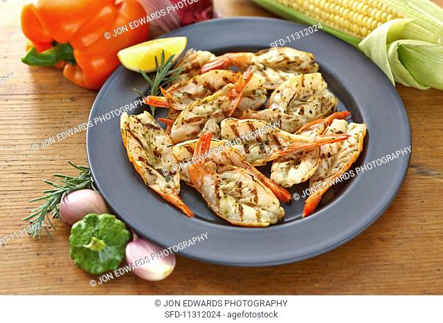 Grilled prawns with rosemary and lemon