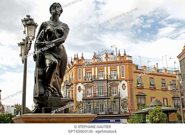 PLAZA DE ALTOZANo, PLAZA DE LA VIRGEN DE LOS REYES, THE VIRGIN OF THE KINGS SQUARE, NEAR THE CATHEDRAL OF SEVILLE, ANDALUSIA, SPAIN