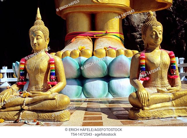 Thailand, Two gold-plated Buddha statues