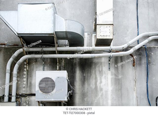 North Carolina, Air conditioner on wall