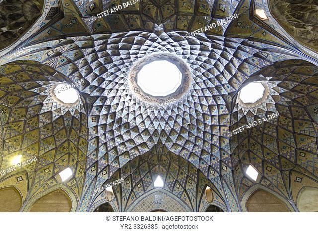 Khan Amin al-Dowleh Timche dome, grand bazaar, Kashan, Iran