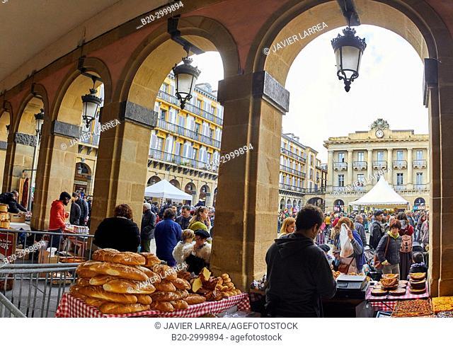 Plaza de La Constitución, Feria de Santo Tomás, The feast of St. Thomas takes place on December 21. During this day San Sebastián is transformed into a rural...