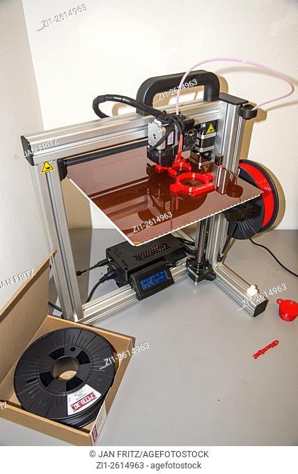 3 dimensional printer at work