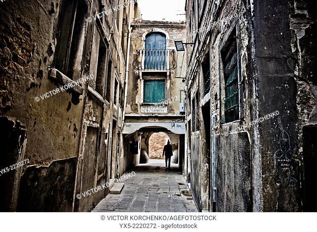 narrow Venetian street