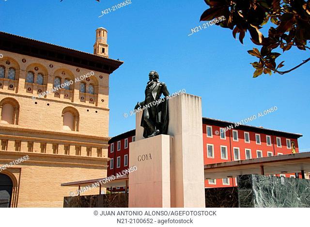 Frederic Marès' monument to Spanish painter Francisco de Goya in the Plaza del Pilar, Zaragoza, Autonomous Community of Aragon, Ebro Valley, Spain, Europe