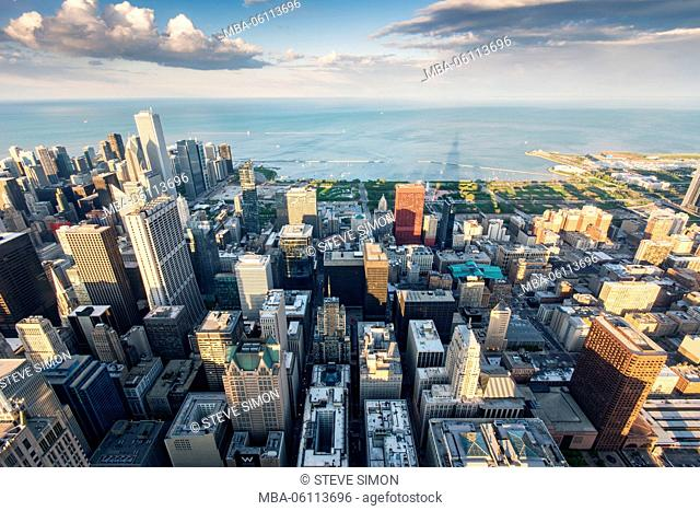 Chicago, view over the town at sundown