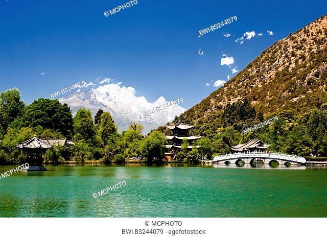 lake of the Black Dragon Yuquan Park, China, Yunnan, Lijiang