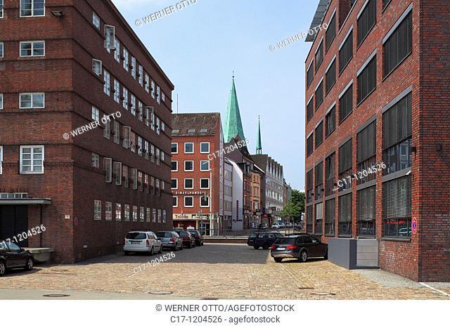 Germany, Kiel, Kiel Fjord, Baltic Sea, Schleswig-Holstein, Flemish Street, business premises and church tower of the Saint Nicolai church at Alter Markt