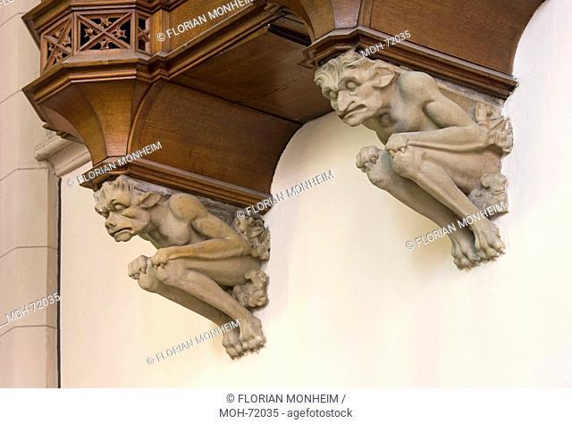 Konsolen unter dem Orgelprospekt der Sonreckorgel im nrdlichen Chorumgang