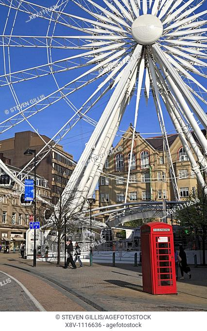 Surrey Street and the Wheel of Sheffield, Sheffield, South Yorkshire, England, UK