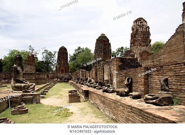 Ayutthaya, Wat Mahathat ruins. Thailand, Asia