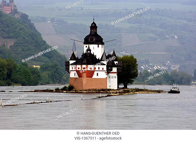 customs castle Pfalzgrafenstein is located in the middle of the Rhine near the city of Kaub - Kaub, Rhineland-Pala, Germany, 29/04/2009