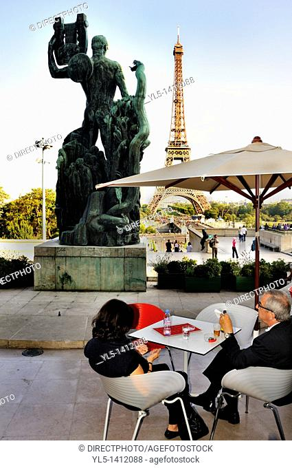 Paris, France, Couple in French Cafe/Bistro Restaurant, Sidewalk terrace in Trocadero, at the Cité de l'Architecture & du patrimoine Museum