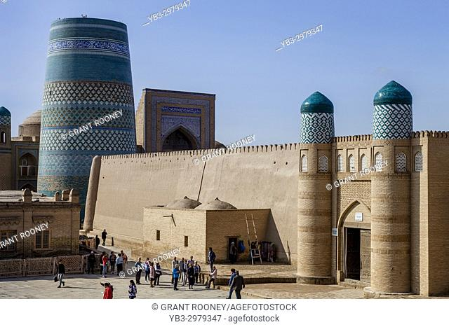 The Kalta Minar Minaret and The Entrance To The Kunya Ark Fortress, Khiva, Uzbekistan