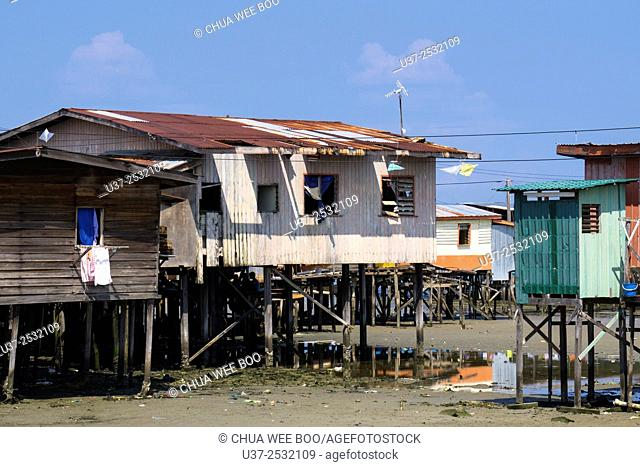 There are small communities living in fishing villages all around the coast of Sabah
