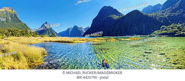 Panorama of Milford Sound, Mitre Peak, Fiordland National Park, Te Anau, South Island, New Zealand