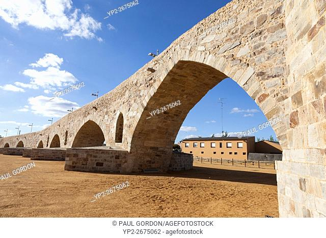 Hospital de Órbigo, Spain: Puente del Paso Honroso. The medieval bridge, spanning the River Órbigo, is the longest on the Camino Francés