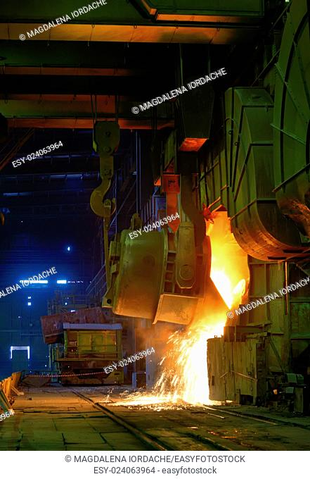 Hot Liquid Metal Casting in steel plant