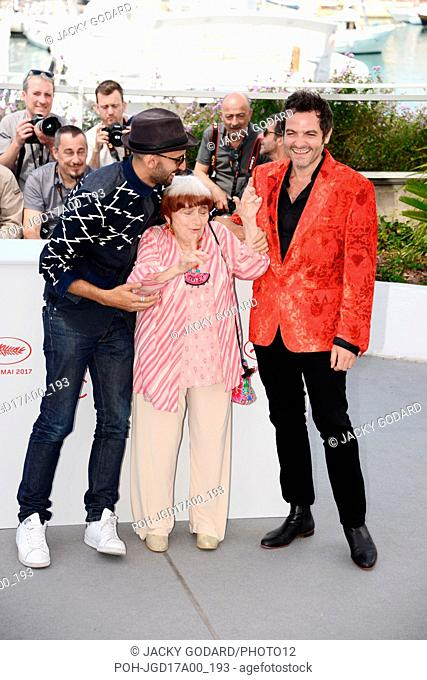 "Photocall of the film """"Visages, villages"""" JR, Agnès Varda and Matthieu Chedid 70th Cannes Film Festival May 19, 2017 Photo Jacky Godard"