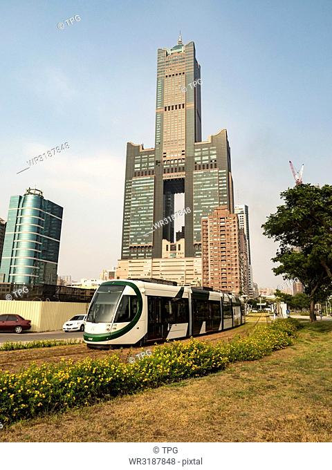 85 Sky Tower and Kaohsiung Mass Rapid Transit