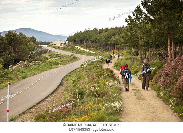 Pilgrims near the Cruz de Ferro along the Camino de Santiago
