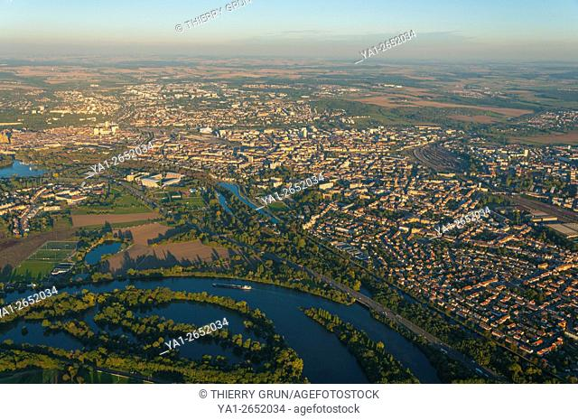 France, Moselle (57), Town of Metz and Moselle river (aerial view)