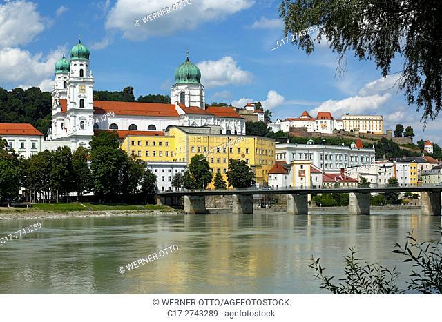 Germany, Bavaria, Eastern Bavaria, Lower Bavaria, Passau, Danube, Inn, Ilz, St. Stephens Cathedral, Bishop church, baroque, Old Residence with Land court