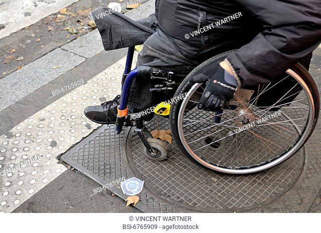 Photo essay. 06/10/2008, rue Daguerre, Paris, France. During the second edition Accéder 7 exister, the Association des Paralysés de France organizes an...