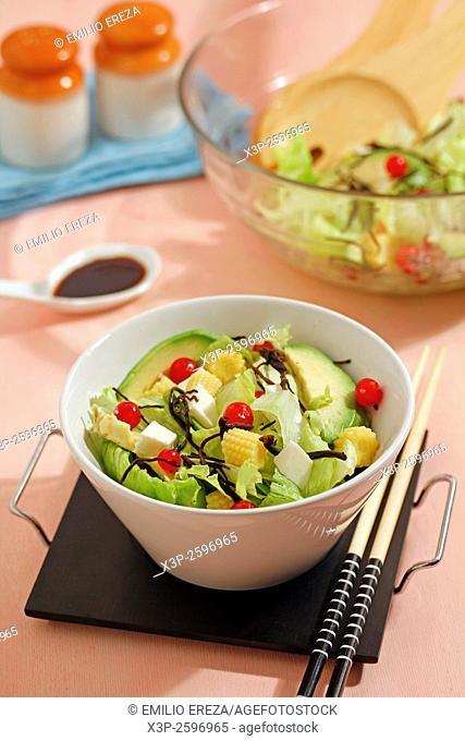 Salad with Japanese seaweeds