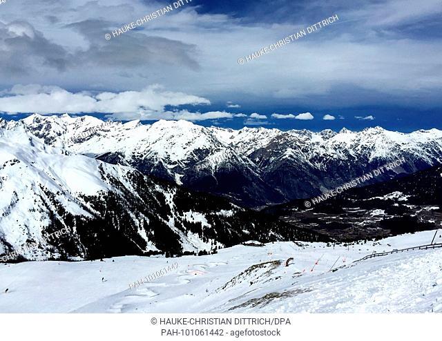 Snowy Alps at the ski resort of Serfaus Fiss Ladis near Serfaus (Austria), 11 March 2018. | usage worldwide. - Serfaus/Tirol/Austria
