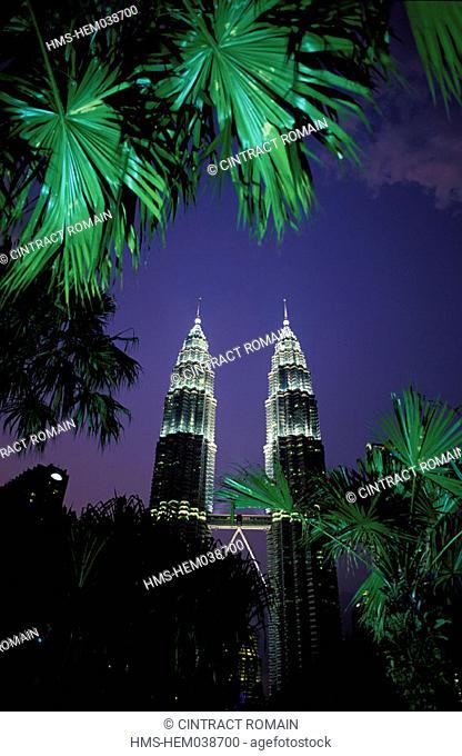 Malaysia, Kuala Lumpur State, Kuala Lumpur city, the Petronas towers
