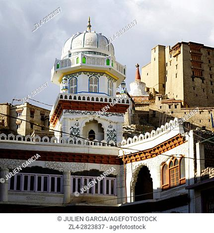 India, Jammu and Kashmir State, Himalaya, Ladakh, Indus valley, the city of Leh at an altitude of 3500 metres, Main Bazaar Road, Jama Masjid mosque