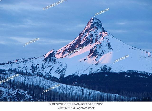 Mt Washington from Mt Washington Viewpoint, McKenzie Pass-Santiam Pass Scenic Byway, Deschutes National Forest, Oregon
