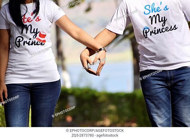 Couple holding hands, Pune, Maharashtra
