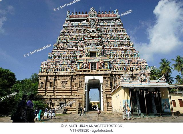 The west gopura, one of four monumental entrance gateways in the middle of each side of the third prakara. Nataraja temple, Chidambaram, Tamil Nadu, India