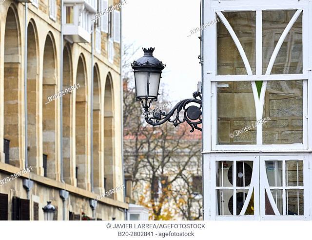 Los Arquillos, Plaza de la Virgen Blanca, Vitoria-Gasteiz, Araba, Basque Country, Spain
