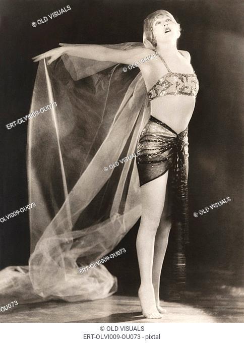 Female dancer standing on tiptoes