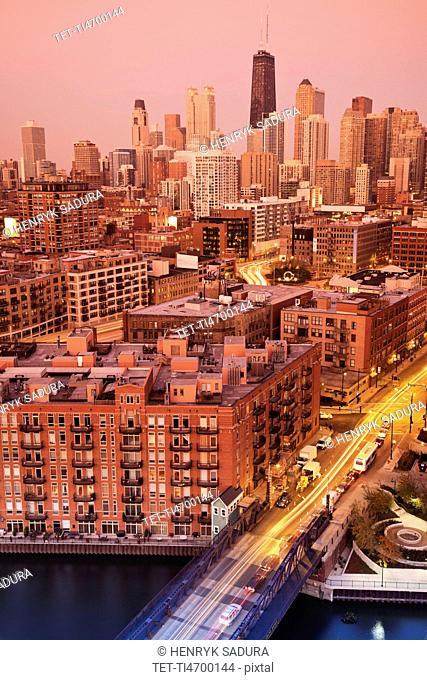USA, Illinois, Chicago, Chicago River illuminated at night