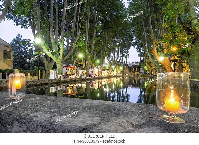 France, Alpes-de-Haute-Provence, Luberon, Cucuron, The Etang, Platane trees, Cucuron, Provencial Village, Vaucluse