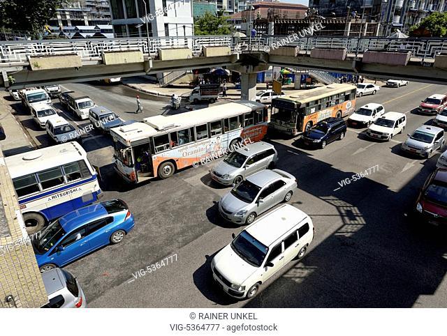 MMR , MYANMAR / BURMA / BIRMA : Traffic in Yangon / Rangoon , 03.11.2015 - Yangon, Yangon, Myanmar, 03/11/2015