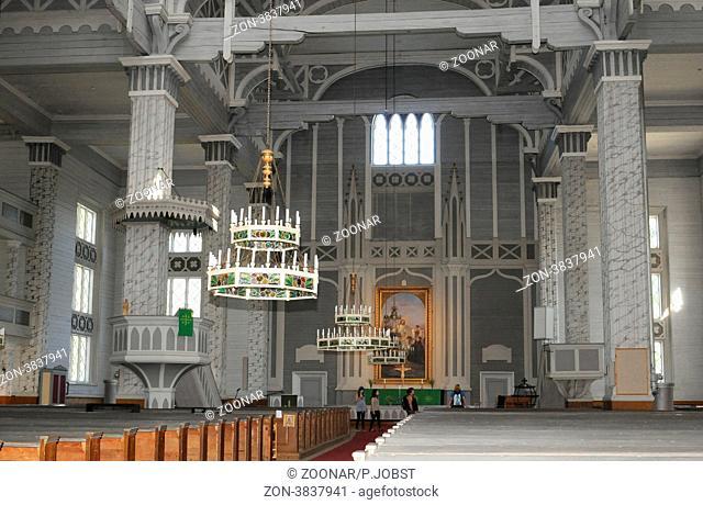 Die Kirche von Kerimäki gilt als die größte Holzkirche der Welt / The church of Kerimaki in Finland is the largest wooden church worldwide